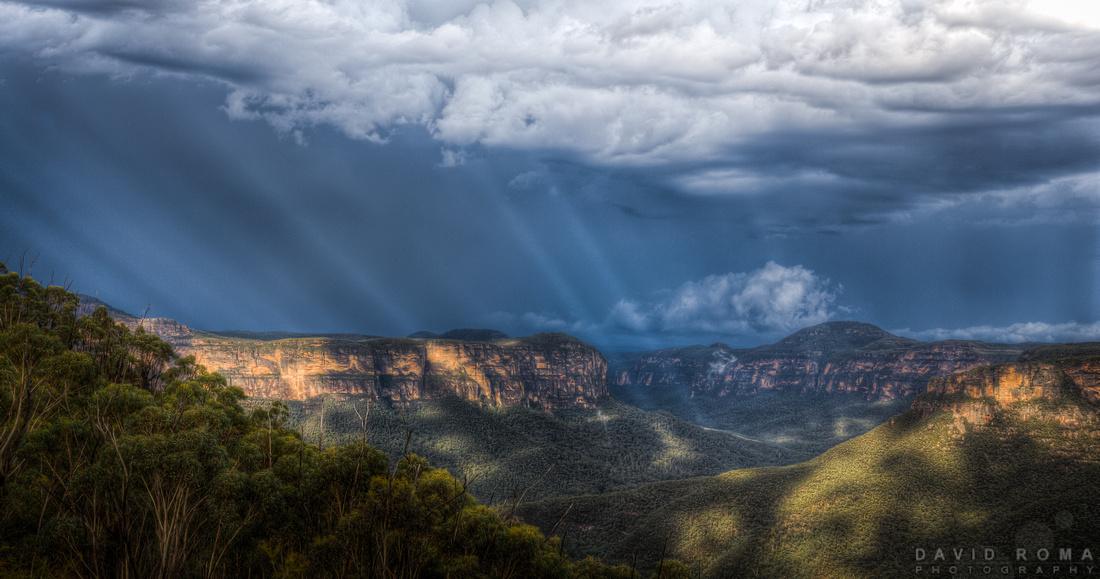 Rays of hope - Pulpit Rock, Blackheath, NSW, Australia